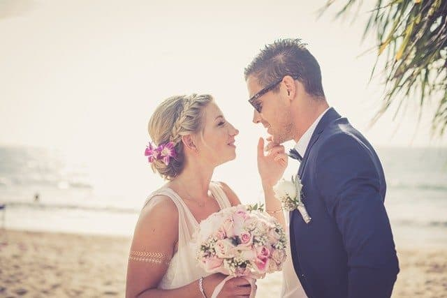 INTIMATE BEACH WEDDING CEREMONY IN PHUKET
