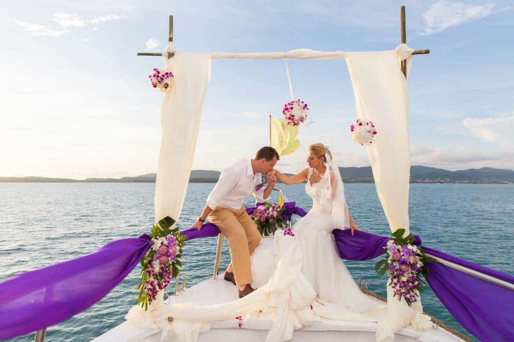 Amzing-yacht-wedding-1024x683 small